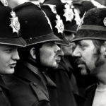 El poli y el minero